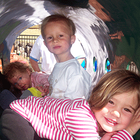 featured-kids-in-tube